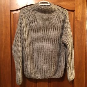 Kendall & Kylie Chunky Gray Knit Ribbed Sweater S